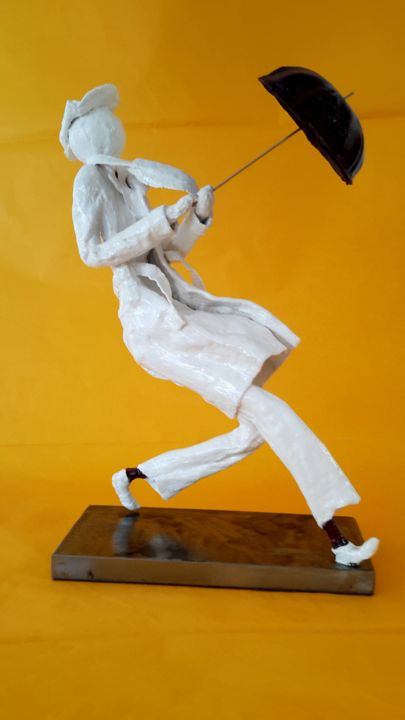 singing-in-the-rain.jpg - Sculpture,  35x10 cm ©2018 by SUZAN -                                                        Art Deco, Other, Men