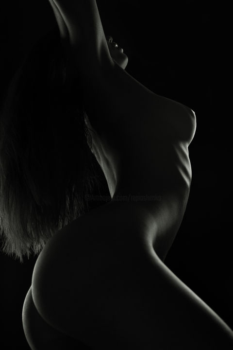 Would like black and white light naked women
