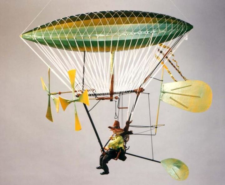 HELICOPANTHE - Sculpture,  90x40x120 cm ©2014 by Art of Flying -                                                            Art Deco, Other, Aerial, ballon dirigeable automate à fils