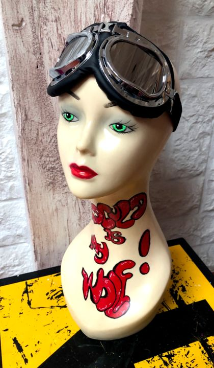 DRACULA IS MY WOLF ... - Sculpture,  47x23x20 cm ©2019 by Rose-Agathe Steiner -                                                                                                                                                            Pop Art, Street Art (Urban Art), Other, Culture, Pop Culture / celebrity, World Culture, Celebrity, Fantasy, Women, Fashion, Cityscape, rose agathe steiner, mannequin, street art, pop art, steampunk