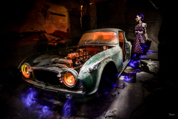 TR-4 - Photography,  19.7x29.5x1.6 in, ©2018 by San Art -                                                                                                                                                                                                                                              light painting, no photoshop, urbex, phtographie, old car