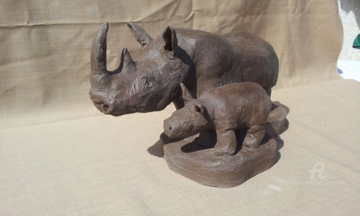 rhinocéros et son petit rhino - Sculpture,  6.7x13 in, ©2015 by simone collet -                                                                                                                                                                                                                                                                                                                                                                                                                                                          Figurative, figurative-594, Other, Animals, rhinicéros, animal, petit, terre, cuite