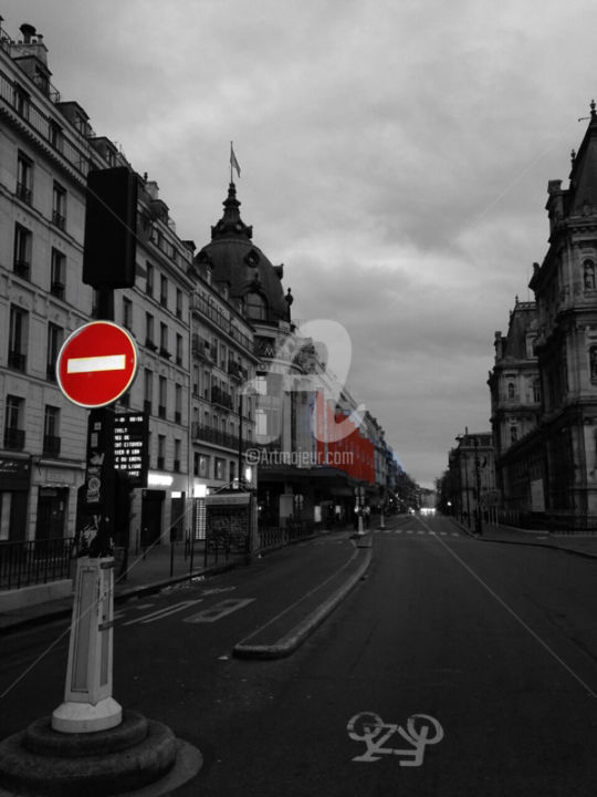 Red paris color splash photography