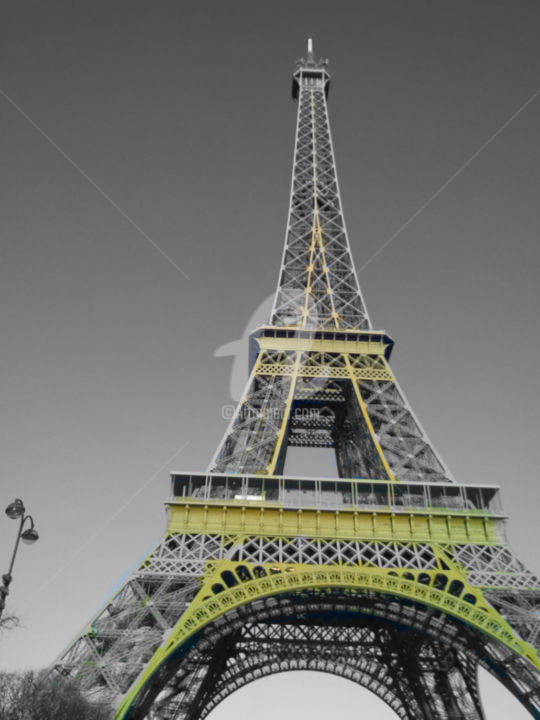 Eiffel tower black and white with color gold photography