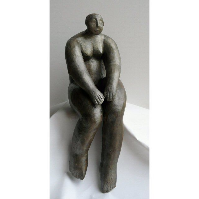Femme assise - Sculpture,  18.1 in, ©2013 by Sylviehebrard -                                                              Body