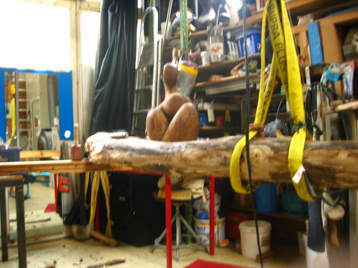 Atelier de Tag - Painting,  1.2 in, ©2013 by Georges Tag -                                                                                                                                                                                                  totem, sculpture bois, tag sculpture, georges Tag sculpture