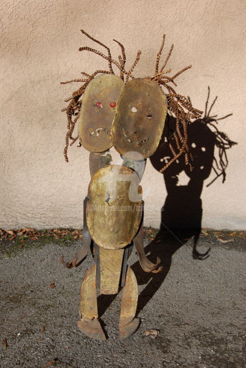 N°6 -Patient-Bipolaire- - Sculpture,  29.5x15.8x11.8 in, ©2010 by Tchook.Os -                                                                                                                                                                                                                                                                                                                                                          Outsider Art, outsider-art-1044, Love / Romance, Angels, Abstract Art, Performing Arts, Cinema