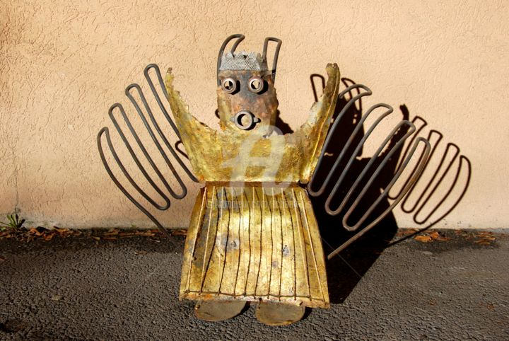 N°12 -King-Of-Djembé- - Sculpture,  21.3x31.5x11.8 in, ©2012 by Tchook.Os -                                                                                                                                                                                                                                                                                                                                                          Outsider Art, outsider-art-1044, Performing Arts, Body, Outer Space, Culture, Interiors