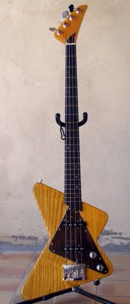 Stripper Bass - Artcraft ©2008 by Jean Trabalon -