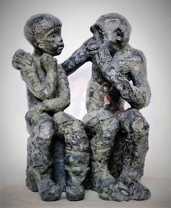 Dialogue, sculpture bronze - Sculpture,  13,4 in, ©2017 par Marie-Thérèse Tsalapatanis -                                                                                                                                                                                                                                                                                                                                                                                      Bronze, bronze, Sculpture, enfant, singe, animaux, amitié, empathie