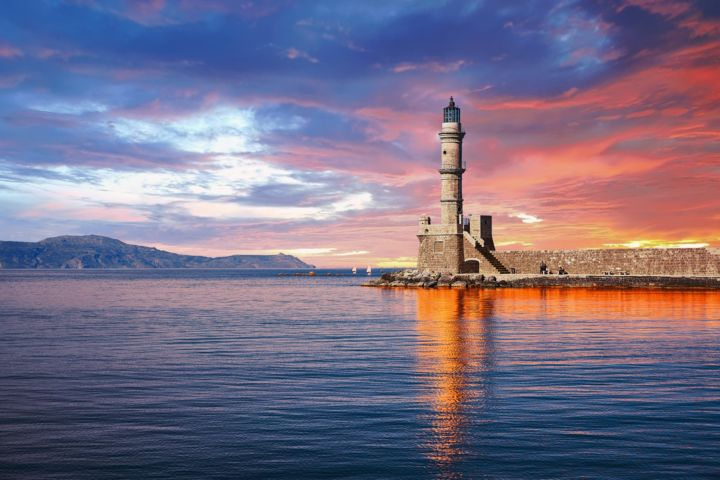 Old Port Of Chania: The Lighthouse - Photography ©2019 by Ulli Heupel -                                                                                                        Documentary, Photorealism, Architecture, Culture, Seascape, Travel, Cityscape, Kreta, Chania, Χανια, Hafen, Leuchtturm