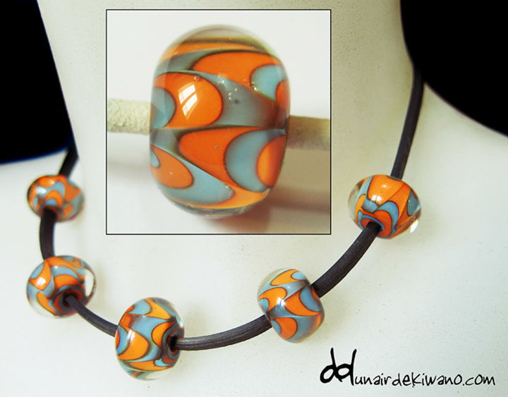 collier 5 perles - Artcraft, ©2017 by Un aiR de Kiwano -                                                                                                                                                                                                      Glass, retro, bleu, orange