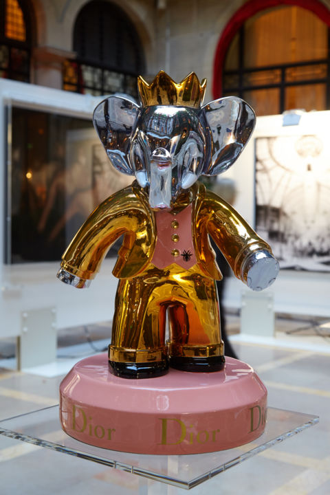 Babolex Dior Or Socle Rose 60 cm - © 2018 babolex, babar, vincent faudemer, sculpture, supreme, dior, gucci, chanel, proces, chrome, luxe, resine, argent, jean paul gauthier Online Artworks