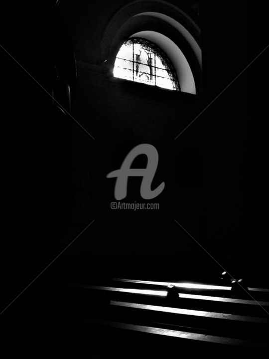 silence - Photography ©2017 by Virginie d'Artois -                                        Black and White, Religion, noir, blanc, banc, église, vitraux